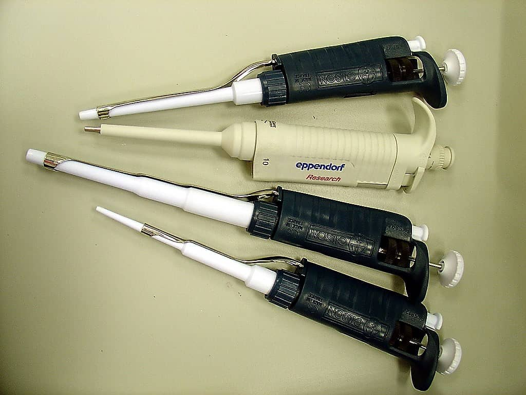 MICROPIPETTES & GUIDELINES OF MICROPIPETTING