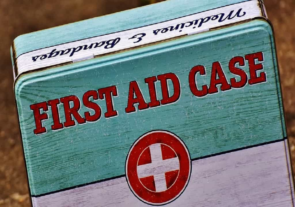 Special First Aid Cases You Need to Handle With Care - heart attack - childbirth - infant caring - medical information