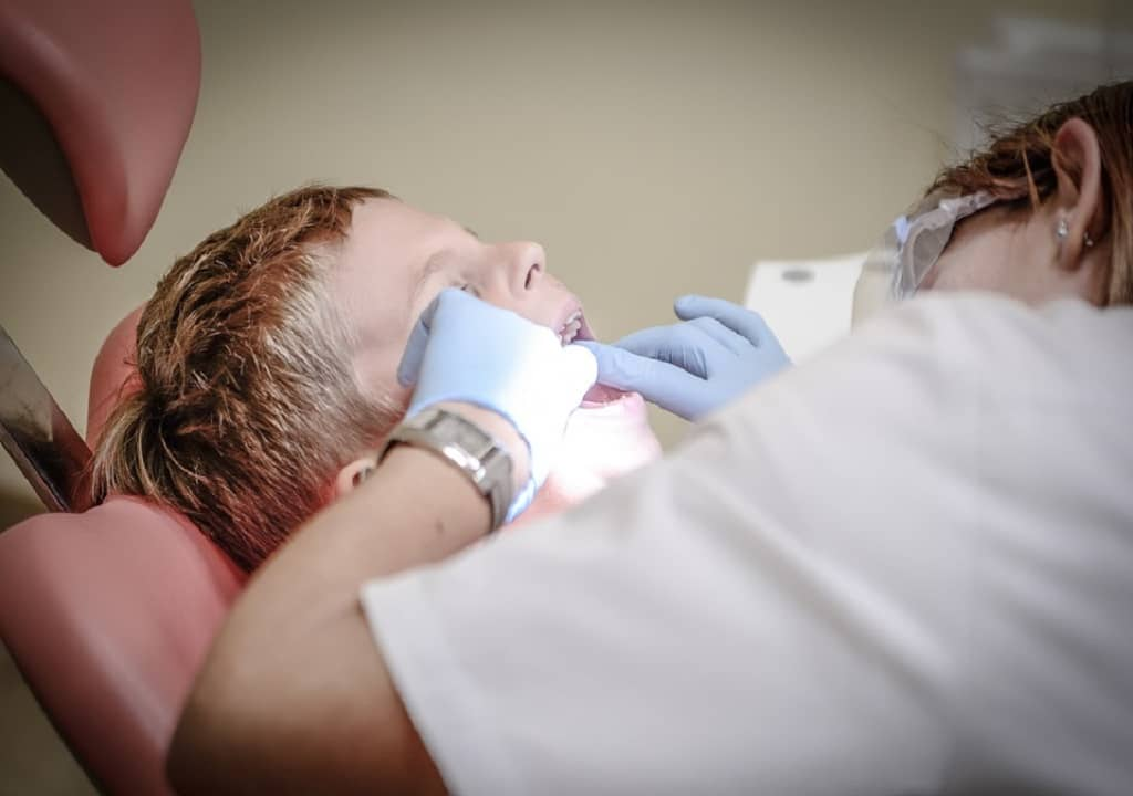 5 Tips for Picking the Right Periodontist in Toronto - dentist in toronto - periodontist in canada