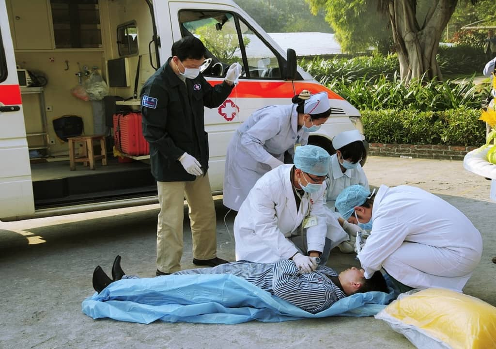 Immediate Signs of Emergency You Need to Act Upon - paramedics-world