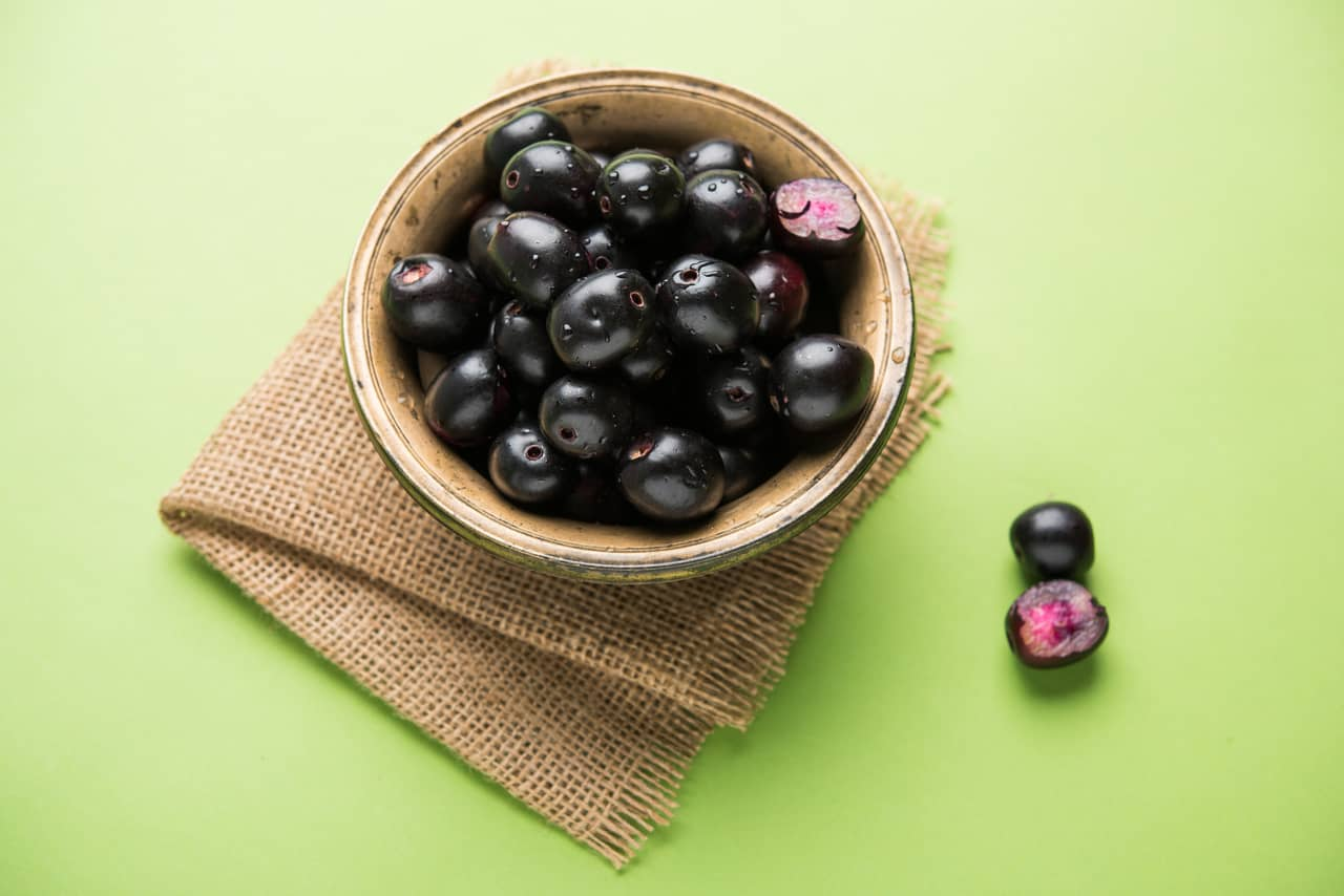 jamun plums to control and manage diabetes
